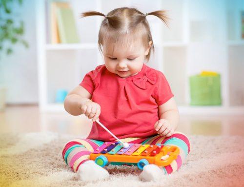 10 beneficios de que los niños aprendan a tocar un instrumento musical